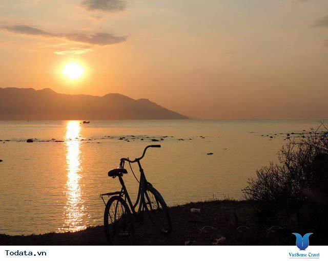Đến Nha Trang Săn Đón Ánh Bình Minh Tuyệt Đẹp Trên Biển