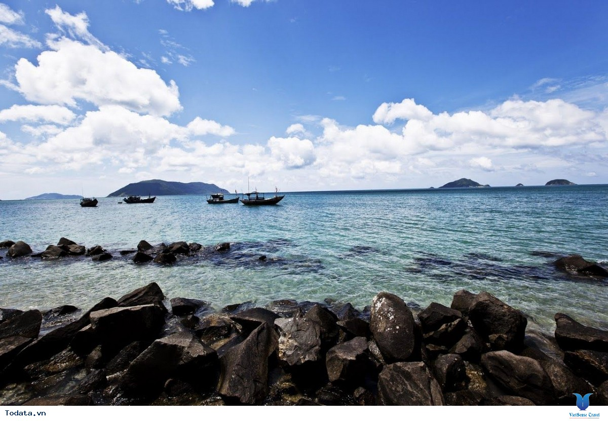 Du lịch côn đảo khám phá hòn đảo được coi là quyến rũ nhất hành tinh