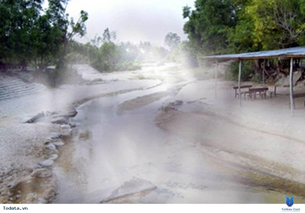 Khám Phá Suối Nước Nóng Bang Ở Quảng Bình