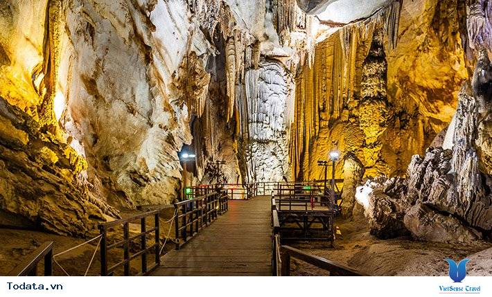 Lý do khiến động Phong Nha thu hút khách du lịch