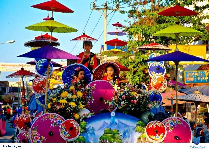 Tháí Lan thu hút khách du lịch với những lễ hội độc đáo