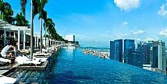 Bể bơi vô cực dát vàng sang chảnh cao nhất thế giới