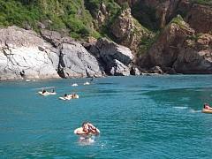 Đảo Hòn Tre Nha Trang - Điểm Đến Mới Cho Giới Trẻ