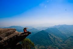 Đến Mộc Châu chinh phục đỉnh Pha Luông huyền thoại