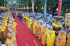 Lễ Mộc dục - tắm Phật và rước Phật Tại Huế