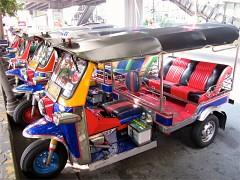 Một lần ngồi trên xe Tuk tuk khám phá vẻ đẹp Thái Lan