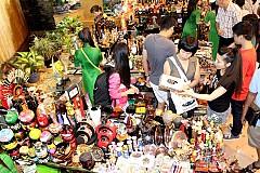 Những Khu Chợ Hút Khách Du Lịch Ở Nha Trang