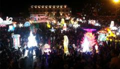 Rực rỡ sắc màu Trung thu trong Lễ hội Hoa đăng Sa Pa năm 2016