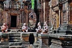 Thăm quan đền Banteay Srei linh thiêng của Campuchia