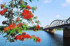 Vẻ đẹp bên dòng Sông Hương xứ Huế
