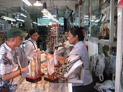 Đến khu Chợ Bogyoke Aung San náo nhiệt