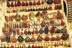 Đi Chợ Bogyoke Aung San thỏa thích mua sắm