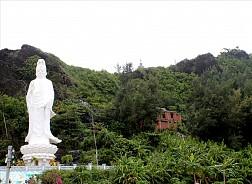 Ghé thăm chùa Đục tại đảo Lý Sơn