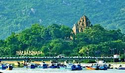 Toàn cảnh Tháp Bà Ponagar Nha Trang
