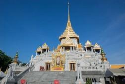 Hình ảnh tổng hợp Chùa Phật Vàng ở Thái Lan Wat Traimit