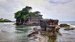 Khung cảnh ngoạn mục nhất xung quanh đền Tanah Lot