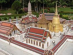 Ngẩn ngơ trước một công viên lạ lùng nhất thế giới mang tên Mini Siam