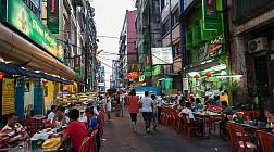 Sầm uất khu phố China Town ở Yangon