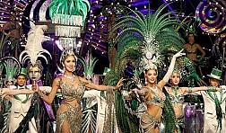 Tận mắt xem show chuyển giới Thái Lan với dàn vũ công bốc lửa