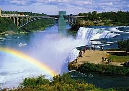 Thác Niagara tung bọt trắng xóa
