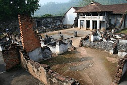 Thăm Nhà Tù Sơn La, Nơi Tình Yêu Tổ Quốc Mãi Bùng Cháy