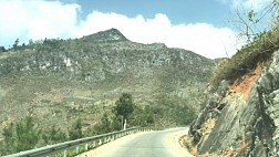 Thung lũng Sủng Là- nơi hoa nằm trong đá