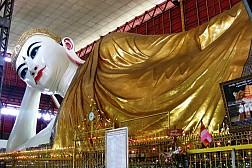 Tượng Phật vĩ đại tại chùa Chaukhtatgyi