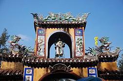 Vẻ đẹp hùng vĩ của chùa Thiên Ấn tại Lý Sơn