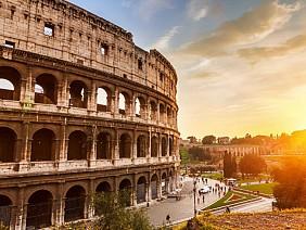 Đấu trường cổ Colosseum tại Rome, Italia