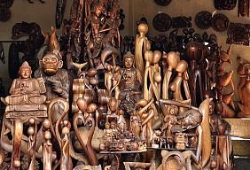 Làng khắc gỗ của MAS