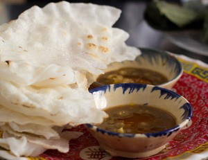 """5 quán ăn bình dân gắn với chữ """"Bà"""" nức tiếng ở Đà Nẵng"""