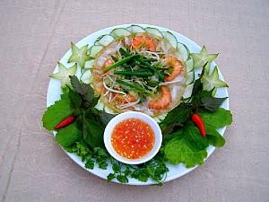 Bánh xèo tôm nhảy, món ăn đường phố ở Quy Nhơn