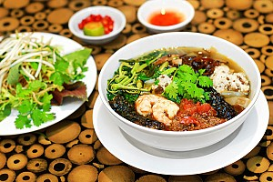 Đậm Đà Hương Vị Bánh Đa Cua Hải Phòng