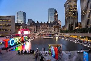 Đi du lịch Canada, di chuyển đến Toronto bằng cách nào