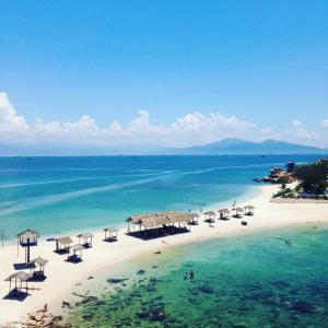 Hòn Nội Đảo Yến - Bãi Tắm Đôi Duy Nhất Ở Việt Nam