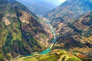 Nho Quế - Vẻ Đẹp Con Sông Trên Miền Hoa Đá Hà Giang