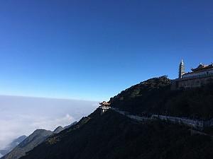 Quần Thể Tâm Linh Trên Đỉnh Fansipan - Điểm Đến lễ Phật Cầu An Hút Khách Du Lịch