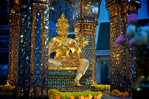 Tìm hiểu về đền Erawan của Thái Lan