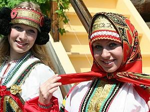 Trang phục truyền thống Nga độc đáo nhất thế giới