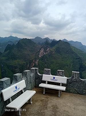 VietSense Travel Tặng Ghế Đá Cho Các Địa Điểm Du Lịch Hà Giang