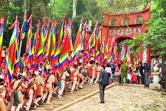 Tour Hà Nội - Đền Hùng - Hùng Lô 1 Ngày