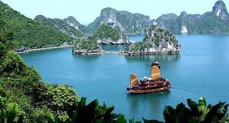 Tour Hà Nội - Bái Đính - Tam Cốc - Hạ Long - Yên Tử - Hà Nội Tết Âm Lịch 2019