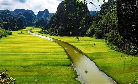 Tour Hà Nội - Bái Đính - Tam Cốc - Hạ Long - Yên Tử - Sapa Tết Âm Lịch