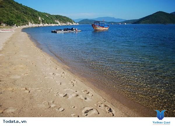 Đảo Hòn Lớn - Thiên Nhiên Hoang Sơ Chưa Có Dấu Tay Người - Ảnh 1