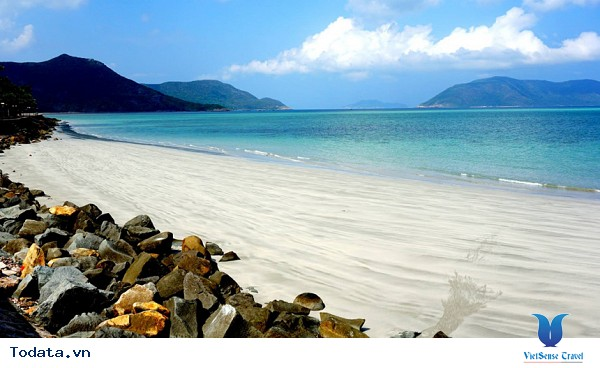 Trải nghiệm một mùa hè đầy nắng tại Côn Đảo - Ảnh 1