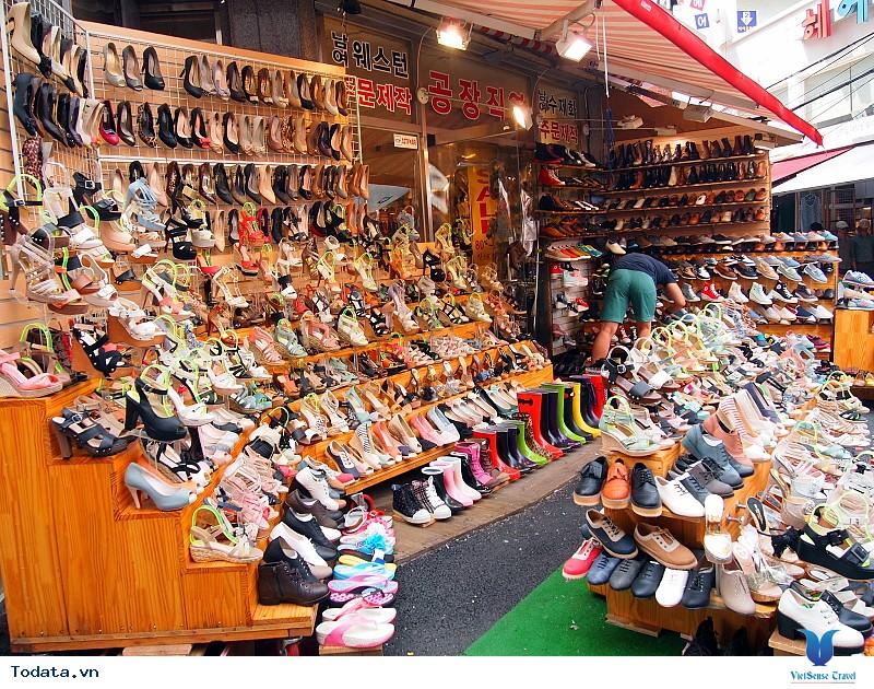 Các địa điểm mua sắm nhất định bạn phải ghé thăm khi đi Hàn Quốc - Ảnh 2