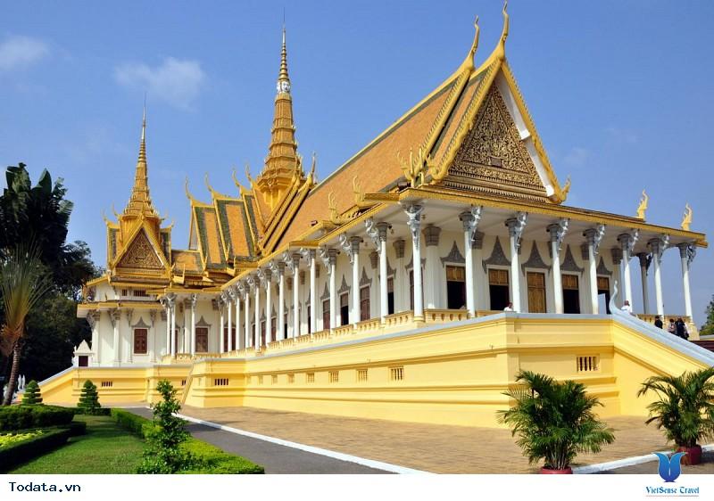 Có gì hấp dẫn tại cung điện Hoàng gia Campuchia - Ảnh 1