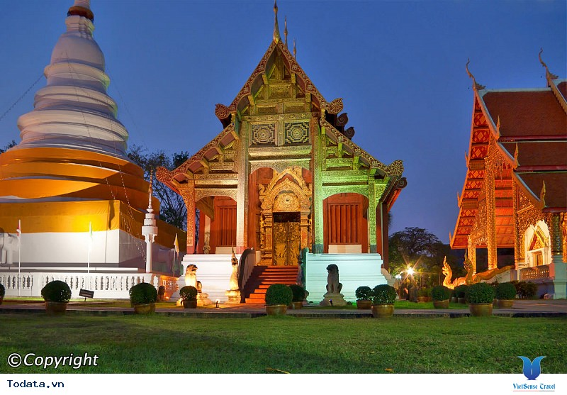 Ghé thăm những ngôi đền chùa nổi tiếng nhất Thái Lan - Ảnh 3