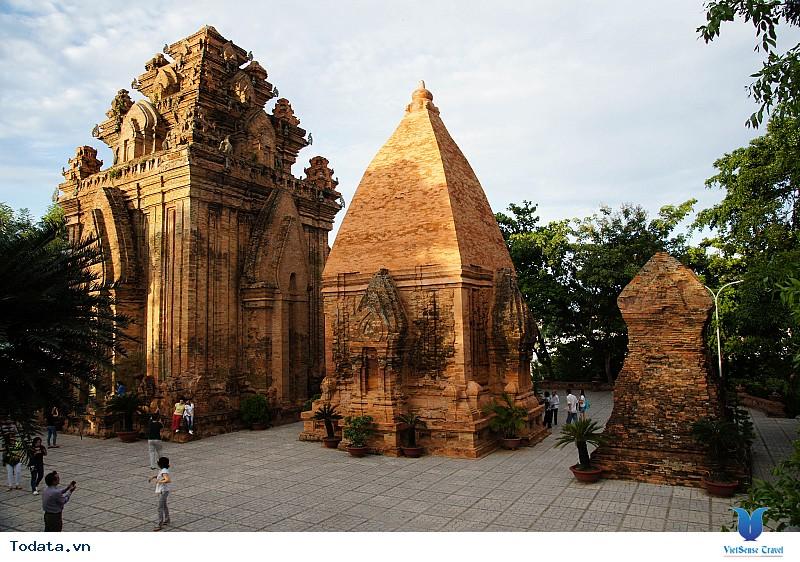 Hình Ảnh Tháp Bà Ponagar Nha Trang - Ảnh 1