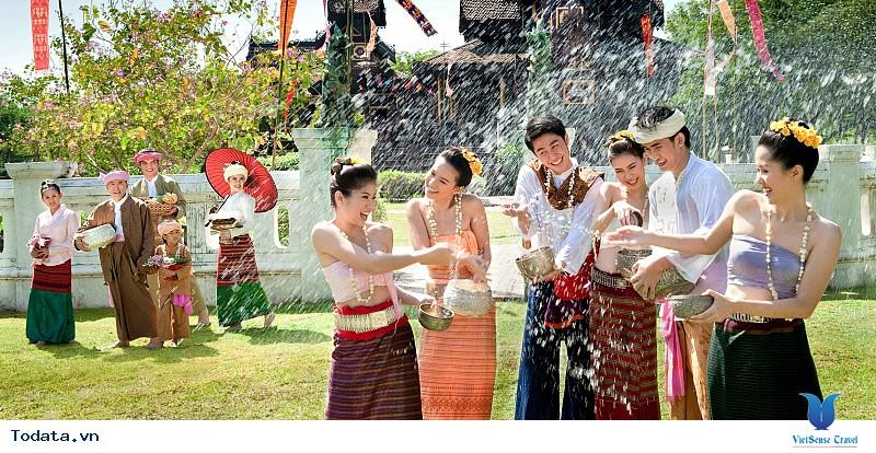 Tháí Lan thu hút khách du lịch với những lễ hội độc đáo - Ảnh 1